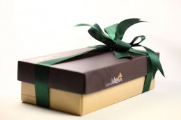luxury συσκευασία 2 φιαλών moschato Di Ashti  και Μοσχάτο Αμβούργου