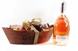 Ξύλινο Καλάθι σε σχήμα Βάρκας Με Γαλλικό Ροζέ Κρασί